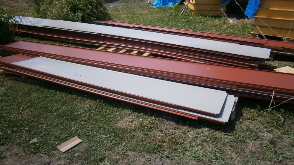 Delivery Day 4 - The Roof Panels